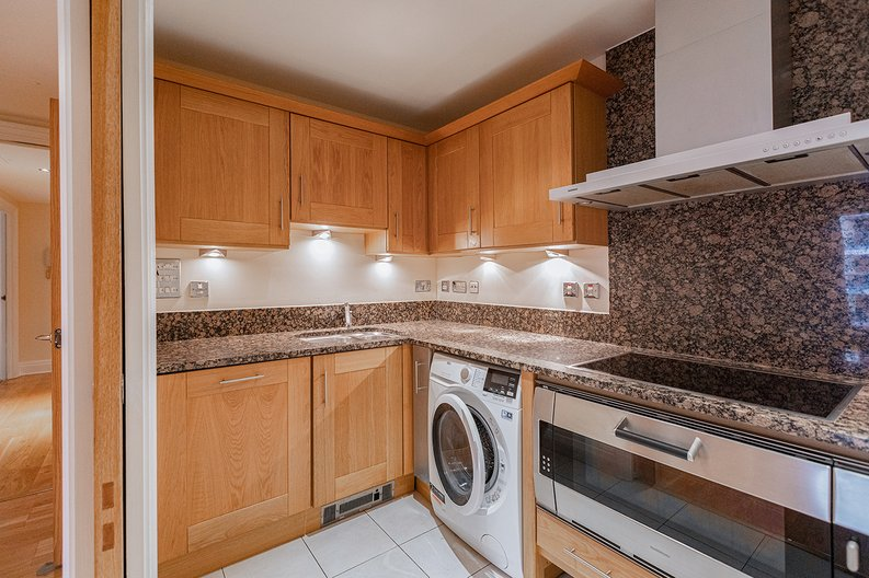 2 bedroom(s) apartment to sale in Aspect Court, Imperial Wharf, Fulham-image 2