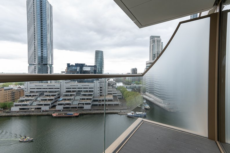 Studio apartment to sale in One Park Drive, Canary Wharf, London-image 12