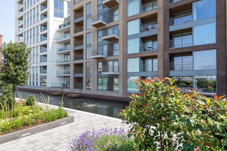 1 bedroom(s) apartment to sale in Doulton House, Park Street, Chelsea Creek-image 11