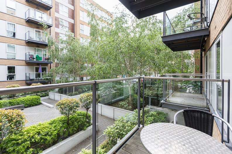 1 bedroom(s) apartment to sale in Bromyard Avenue, Napier West, London-image 5