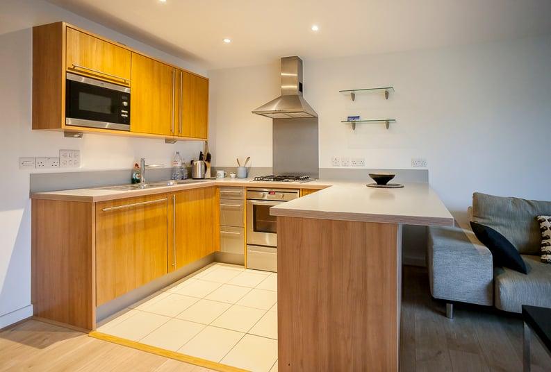 2 bedroom(s) apartment to sale in Eden Grove, Islington, London-image 2