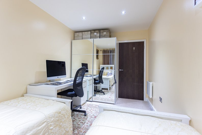 2 bedroom(s) apartment to sale in Boulevard Drive, London-image 18