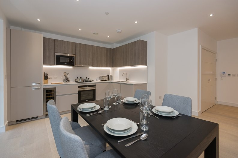 2 bedroom(s) apartment to sale in The Avenue, Brondesbury Park, London-image 9