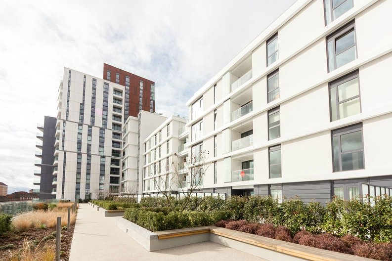 2 bedroom(s) apartment to sale in Pinto Tower, 4 Hebden Place, Nine Elms-image 2