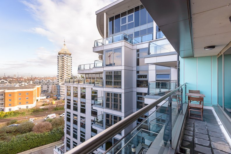2 bedroom(s) apartment to sale in Regency House, The Boulevard, Imperial Wharf, Fulham-image 3