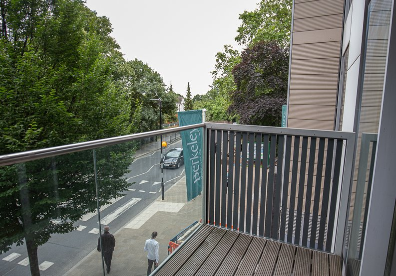 1 bedroom(s) apartment to sale in Riverside Apartments, Goodchild Road, London-image 7
