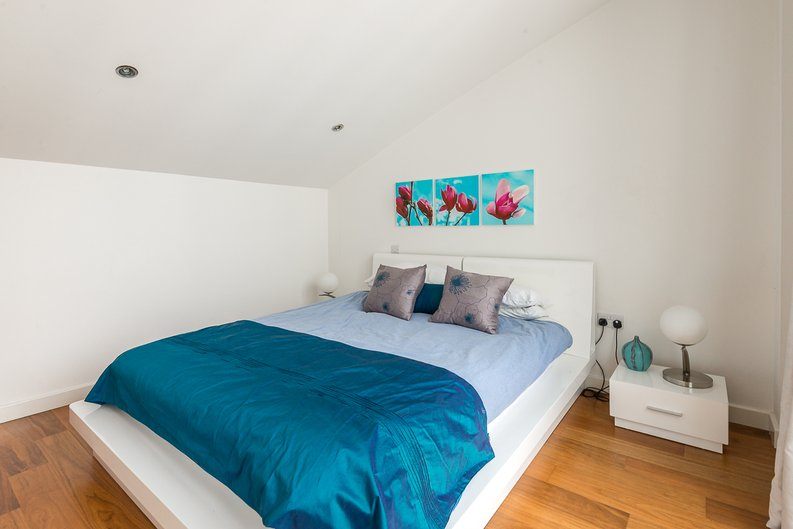 2 bedroom(s) apartment to sale in Westland Place, Hoxton-image 4