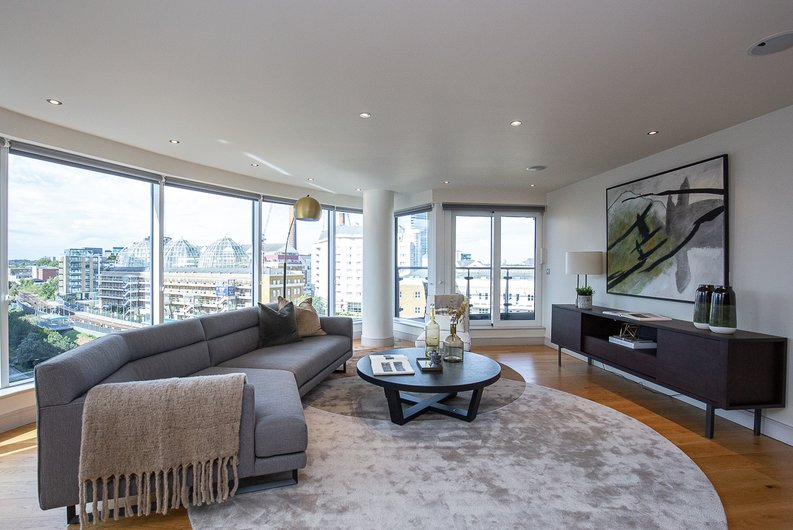 2 bedroom(s) apartment to sale in Octavia House, Townmead Road, Fulham-image 1