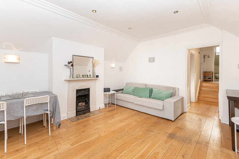 2 bedroom(s) apartment to sale in Hollycroft Avenue, Hampstead, London-image 20