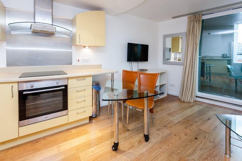 1 bedroom(s) apartment to sale in Westminster Bridge Road, Lambeth, London-image 2