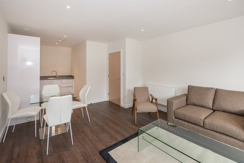 1 bedroom(s) apartment to sale in Carnarvon Court, Howard Road, Stanmore-image 3