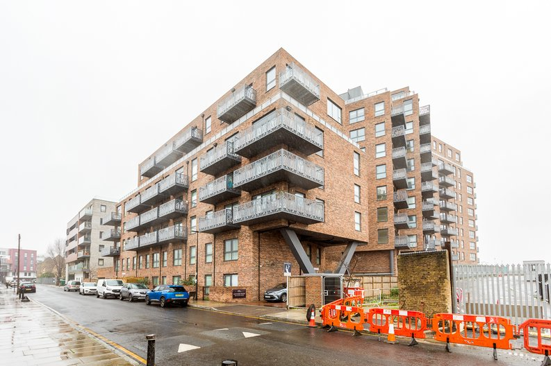 1 bedroom(s) apartment to sale in Cityview Point, Leven Road, Poplar-image 18