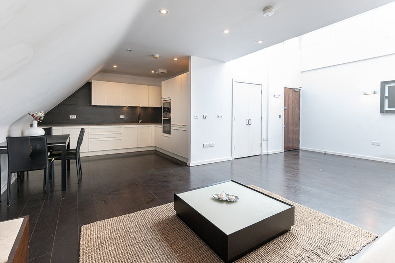 1 bedroom(s) apartment to sale in Gore House, Drummond Way, Islington, London-image 2
