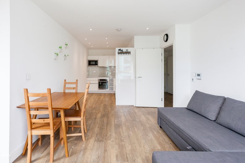 1 bedroom(s) apartment to sale in Lariat Apartments, Cable Walk, Greenwich, London-image 6