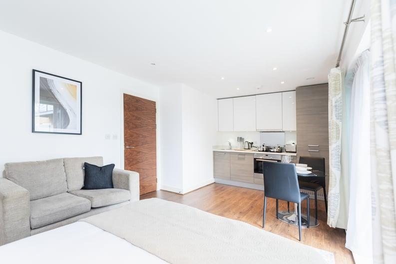 Studio apartment to sale in Napier House, Bromyard Avenue, London-image 1