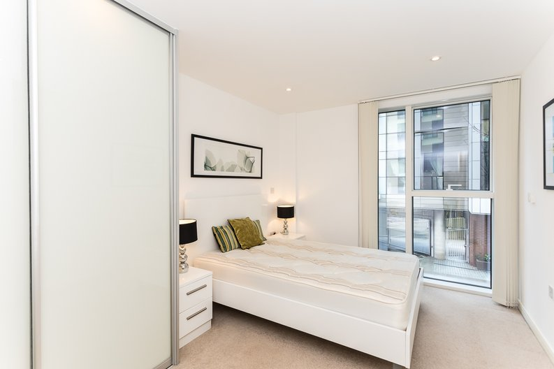 2 bedroom(s) apartment to sale in Waterside Apartments, Goodchild Road, Woodberry Down, Manor House-image 9