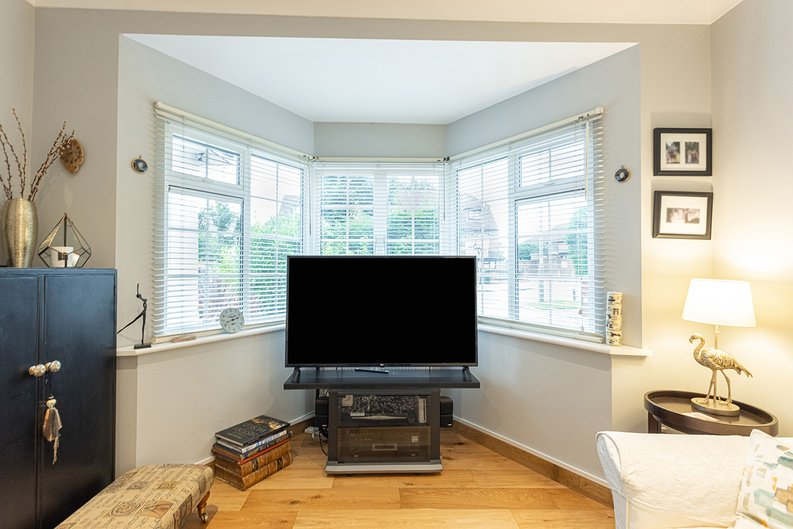 4 bedroom(s) house to sale in Hale Lane, Mill Hill, London-image 50