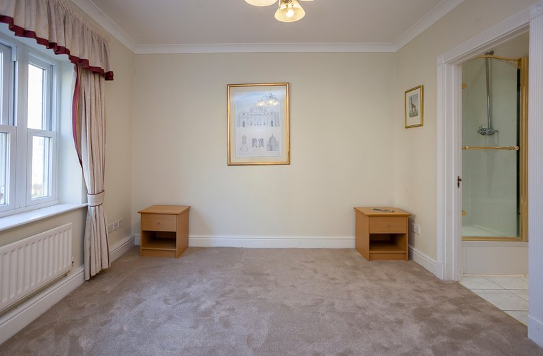 2 bedroom(s) apartment to sale in Trinity Church Road, London-image 8