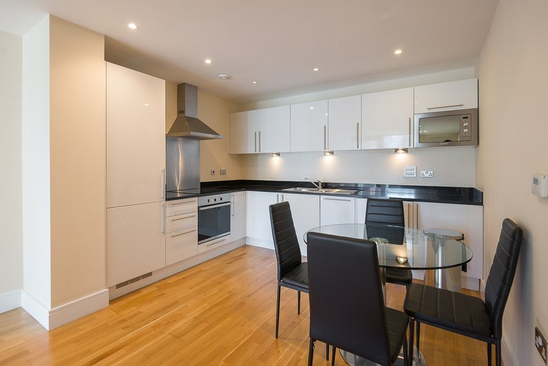 1 bedroom(s) apartment to sale in Cobalt Point, Millharbour, Canary Wharf, London-image 2