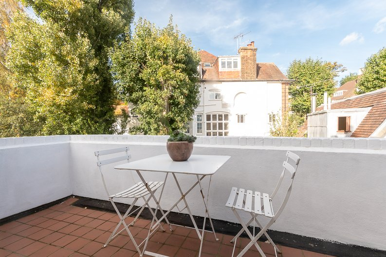 2 bedroom(s) apartment to sale in Hollycroft Avenue, Hampstead, London-image 3