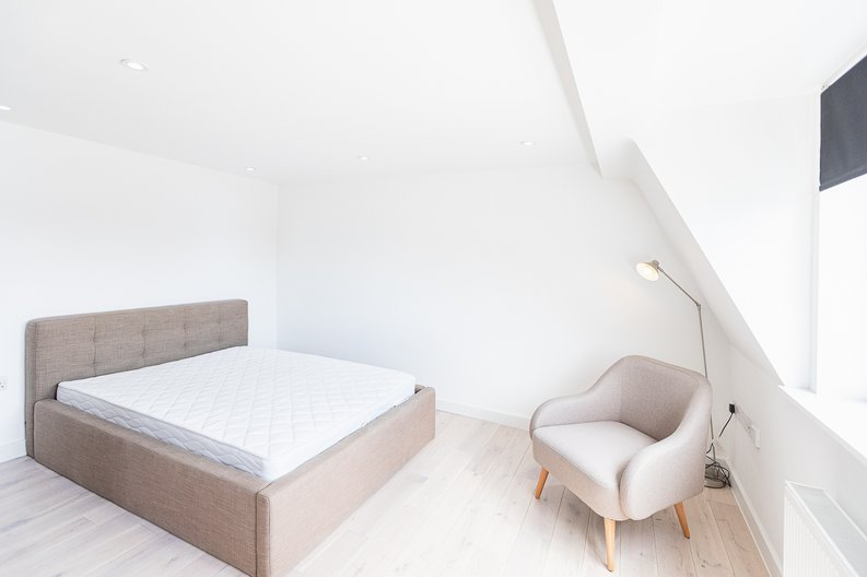 Studio apartment to sale in Prospect House, 67 St John's Road, Hounslow, London-image 3