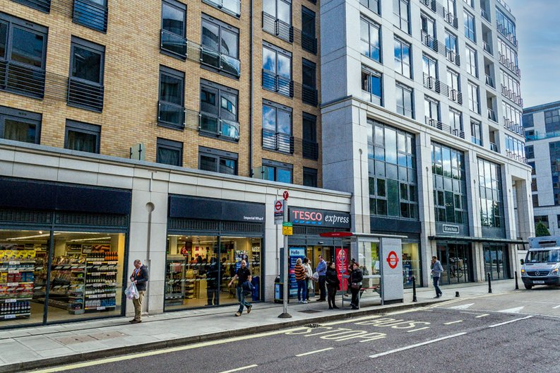 1 bedroom(s) apartment to sale in Townmead Road, Imperial Wharf, London-image 8