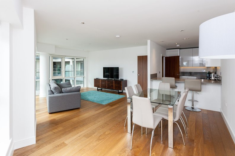 2 bedroom(s) apartment to sale in Skyline House, Dickens Yard, Longfield Avenue , London-image 6