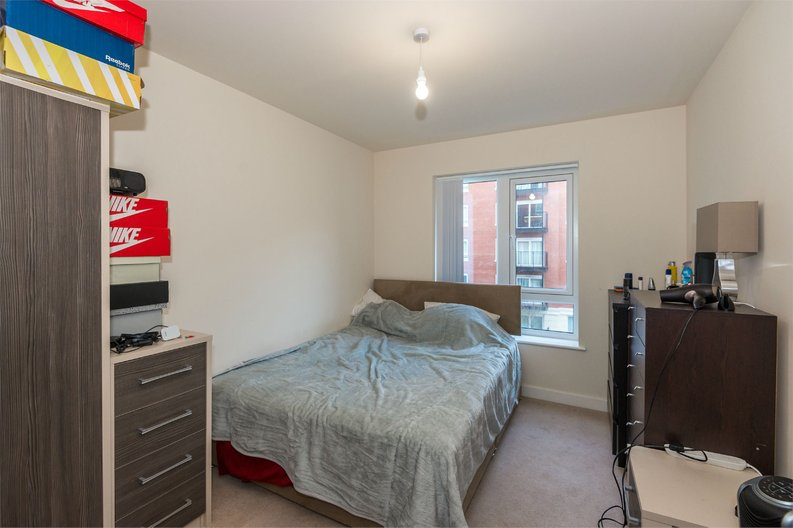 1 bedroom(s) apartment to sale in Golding House, 11 Beaufort Square, London-image 2