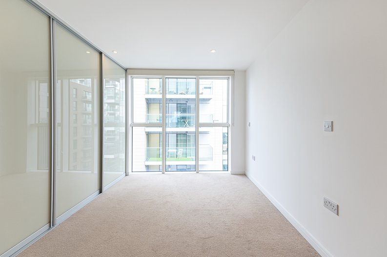 2 bedroom(s) apartment to sale in Goodchild Road, Woodberry Down, London-image 9