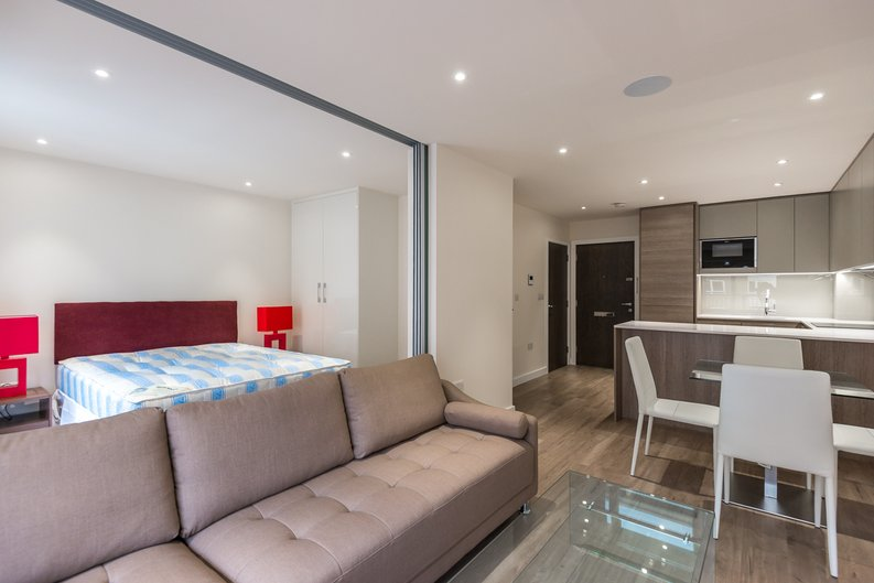 1 bedroom(s) apartment to sale in Constantine House, Boulevard Drive, Beaufort park , London-image 2