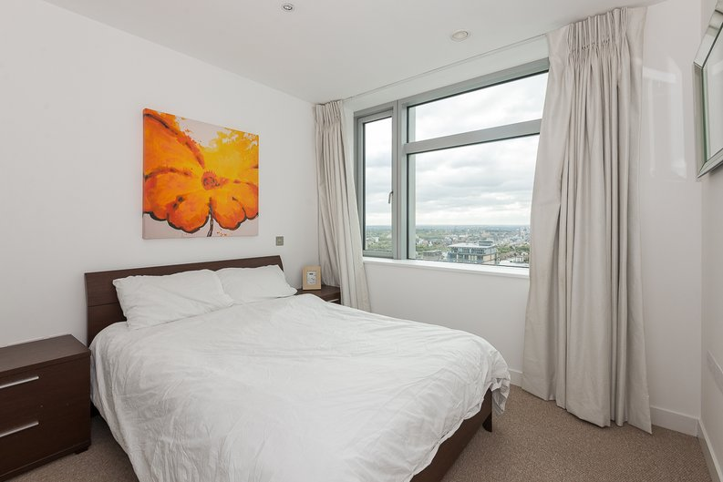 2 bedroom(s) apartment to sale in West Tower, Pan Peninsula Square, Canary Wharf-image 7