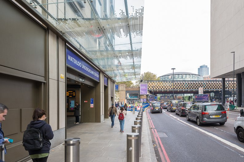 2 bedroom(s) to sale in One Casson Square, Southbank Place, Waterloo-image 3