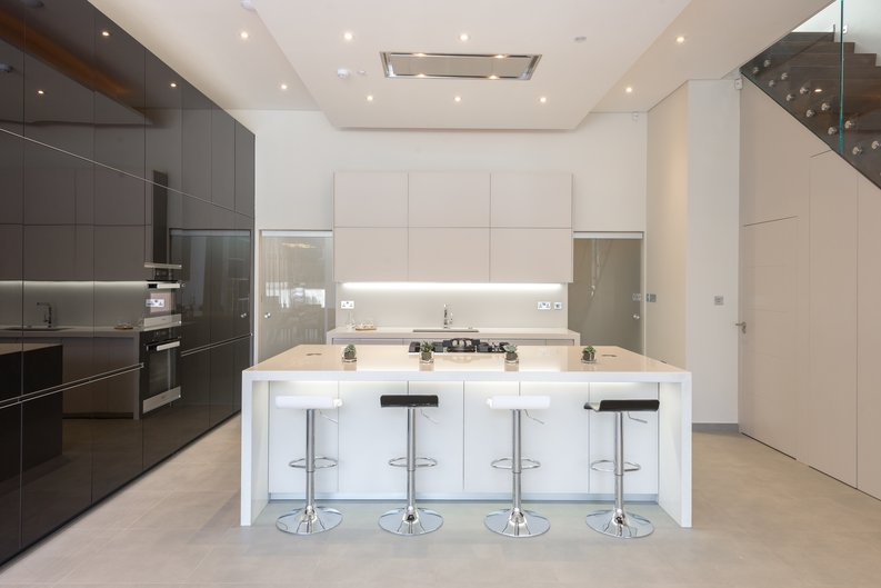 4 bedroom(s) house to sale in Middleton Road, Golders Green, London-image 3