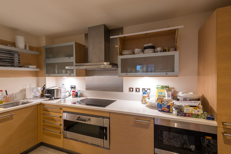 2 bedroom(s) apartment to sale in Regal House, Lensbury Avenue, Fulham-image 4