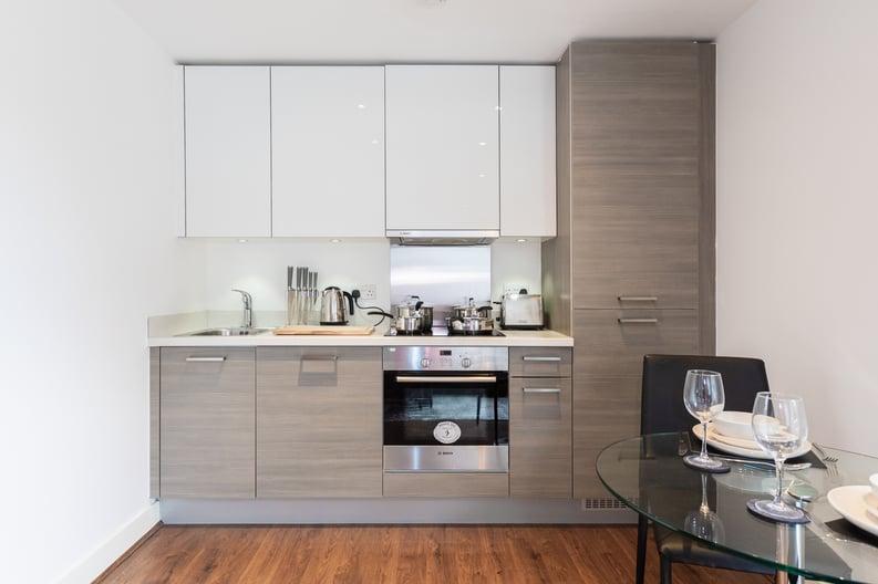 Studio apartment to sale in Napier House, Bromyard Avenue, London-image 9