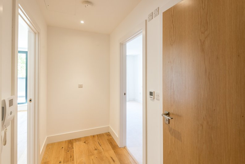 1 bedroom(s) apartment to sale in Butler House, 6 Dixon Butler Mews, London-image 12