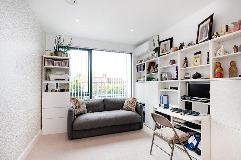 2 bedroom(s) apartment to sale in Regis Place, 10 Llanvanor Road, Childs Hill, London-image 8