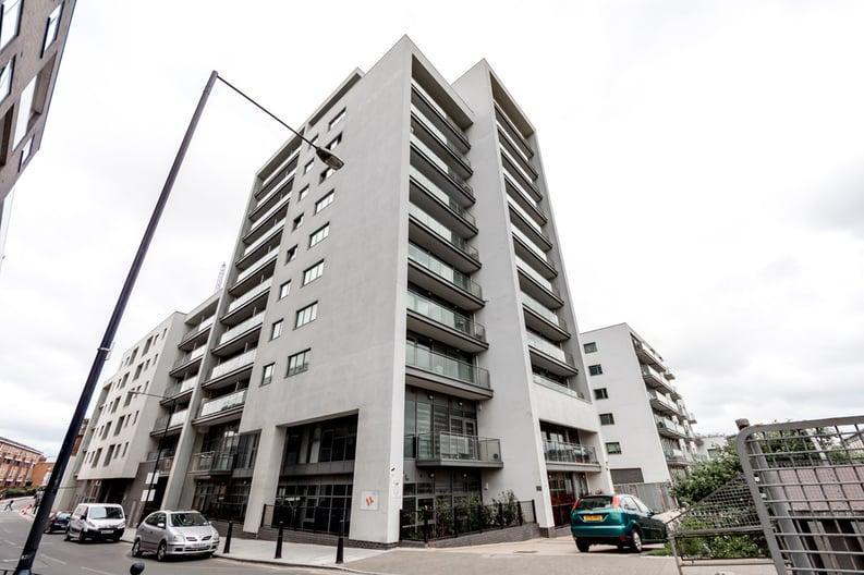 2 bedroom(s) apartment to sale in Craig Tower, Aqua Vista Square, Bow-image 7