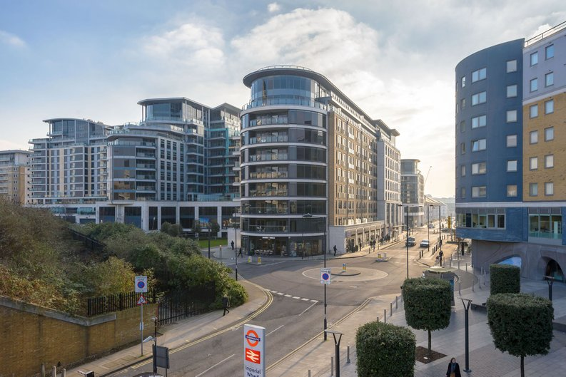 2 bedroom(s) apartment to sale in Octavia House, Imperial Wharf, Townmead Road-image 1