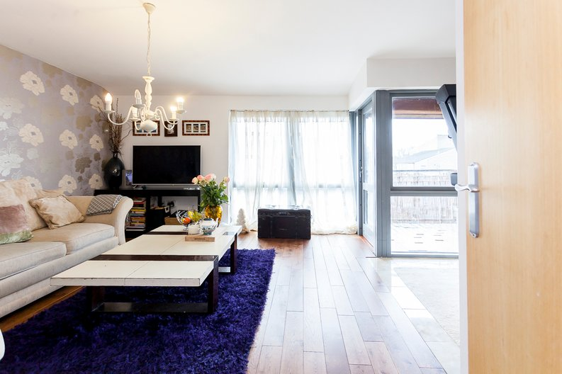 1 bedroom(s) apartment to sale in Martlesham Walk, Colindale-image 1