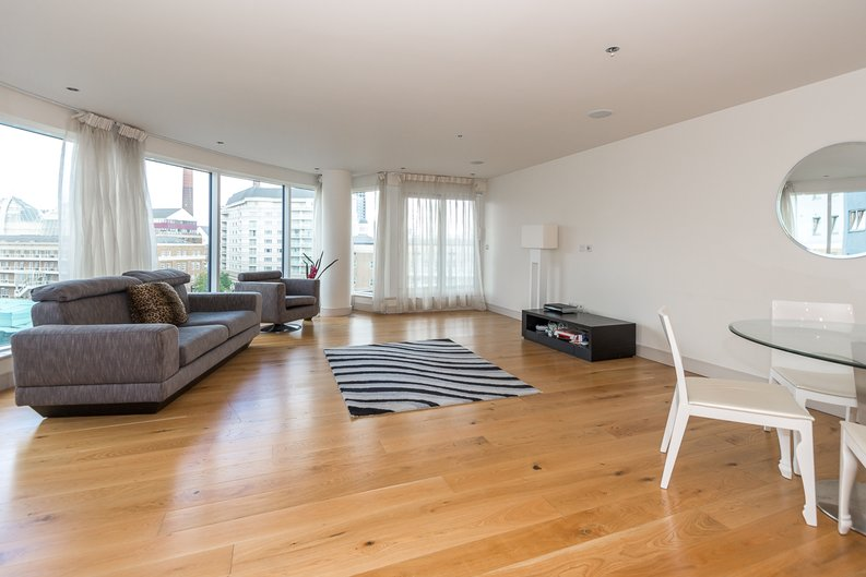 2 bedroom(s) apartment to sale in Octavia House, 213 Townmead Road, Fulham-image 3