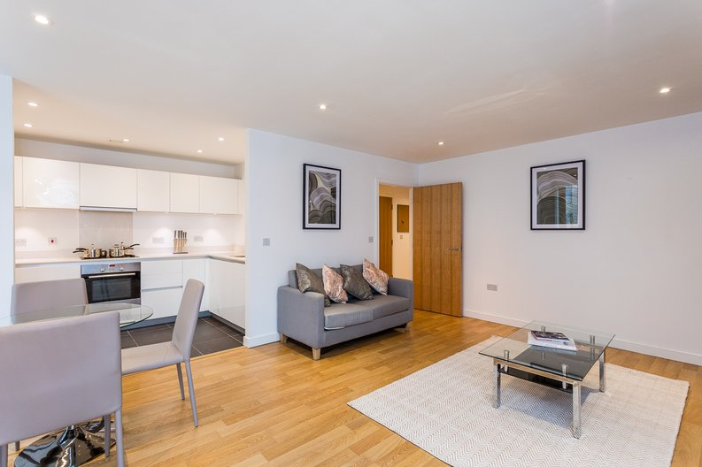 2 bedroom(s) apartment to sale in Riverside Apartments, Goodchild Road, Woodberry Down, Manor House-image 1