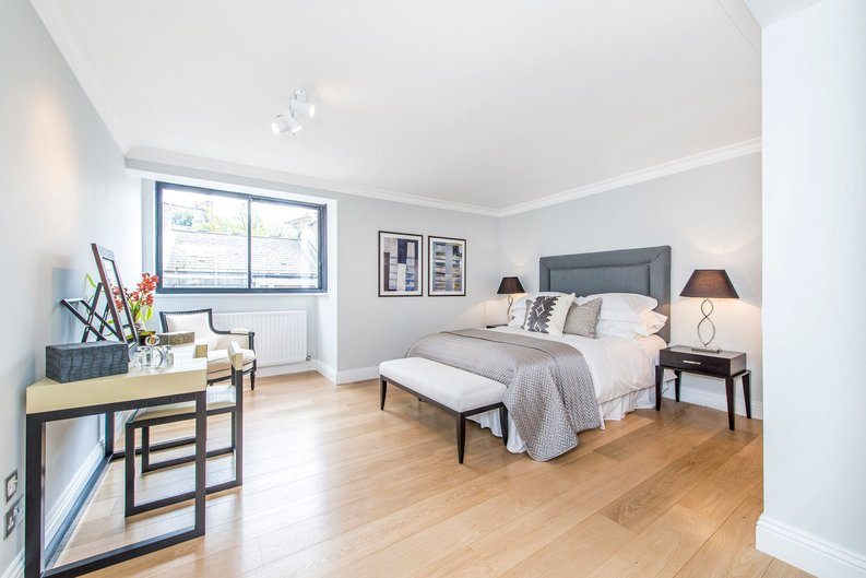 3 bedroom(s) apartment to sale in Drayton Gardens, Chelsea, London-image 3