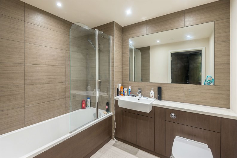 1 bedroom(s) apartment to sale in Golding House, 11 Beaufort Square, London-image 4