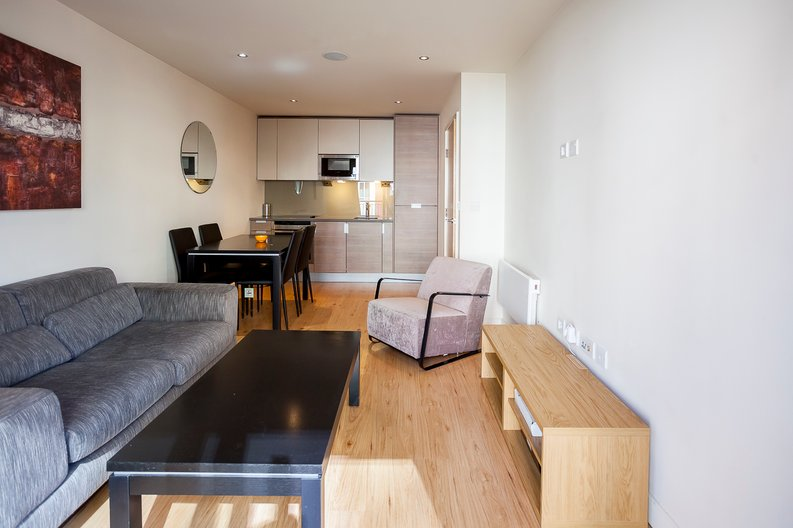 1 bedroom(s) apartment to sale in Croft House, 21 Heritage Avenue, Beaufort Park , London-image 8