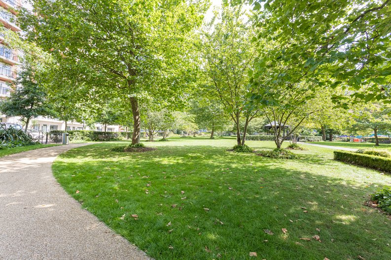 1 bedroom(s) apartment to sale in Boulevard Drive, Colindale, London-image 12