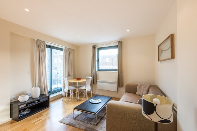 2 bedroom(s) apartment to sale in Ikon House, 447 Cable Street, Wapping, London-image 6