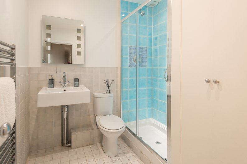 3 bedroom(s) apartment to sale in Bullingham Mansions, Pitt Street, London , Kensington-image 5