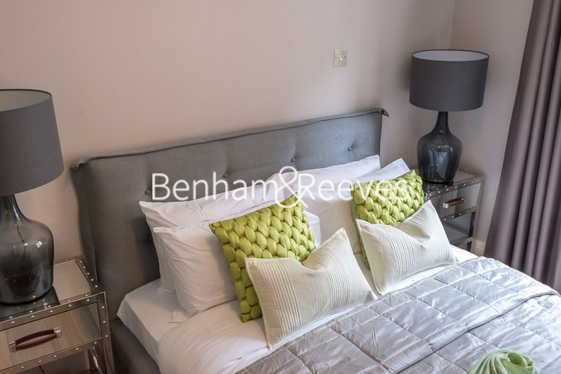 1 bedroom(s) apartment to sale in Clarges Mews, London-image 10