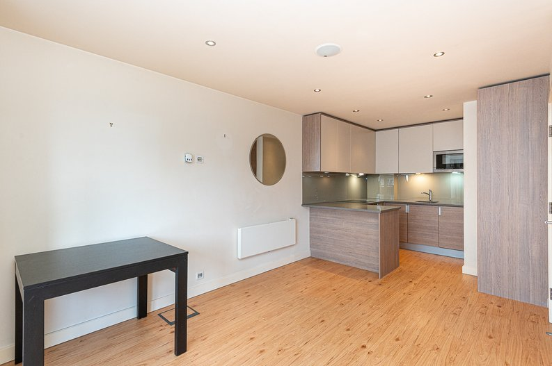 1 bedroom(s) apartment to sale in Curtiss House, 27 Heritage Avenue, Beaufort Park, London-image 2